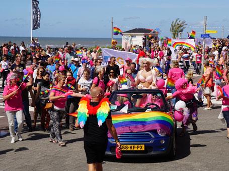 Pride-parade-02-455x341